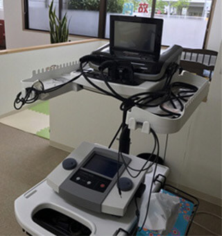 ハイボルテージ治療機器
